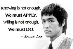 S-a nascut Bruce Lee, actor de cinema, eroul legendar al filmelor despre arte martiale (m. 20.07.1973)