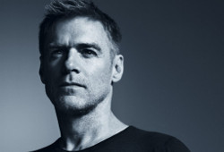 "S-a nascut interpretul canadian Bryan Adams (""Everything I Do, I Do It For You"", ""Have You Really Loved a Women"")"